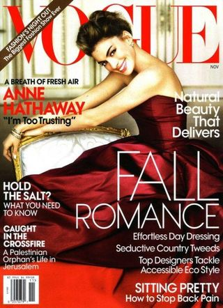Anne_Hathaway_Vogue_November_Cover-500x690